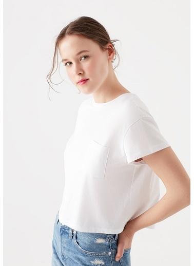 Mavi Cepli  Basic Tişört Beyaz
